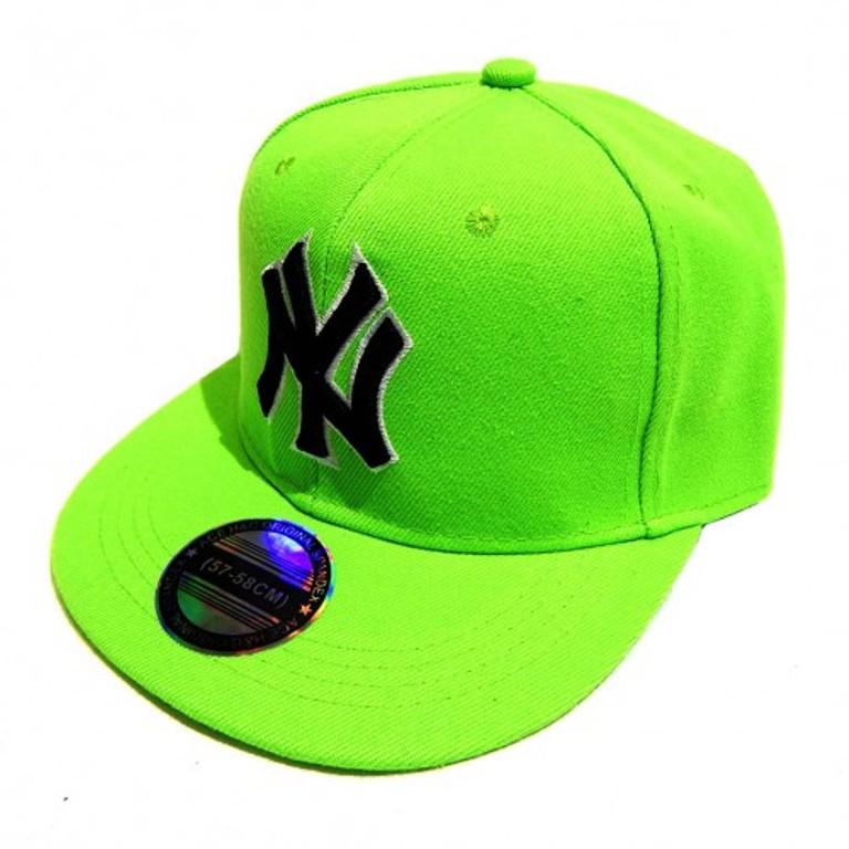 Изображение бейсболки в рэперском стиле с плоским козырьком